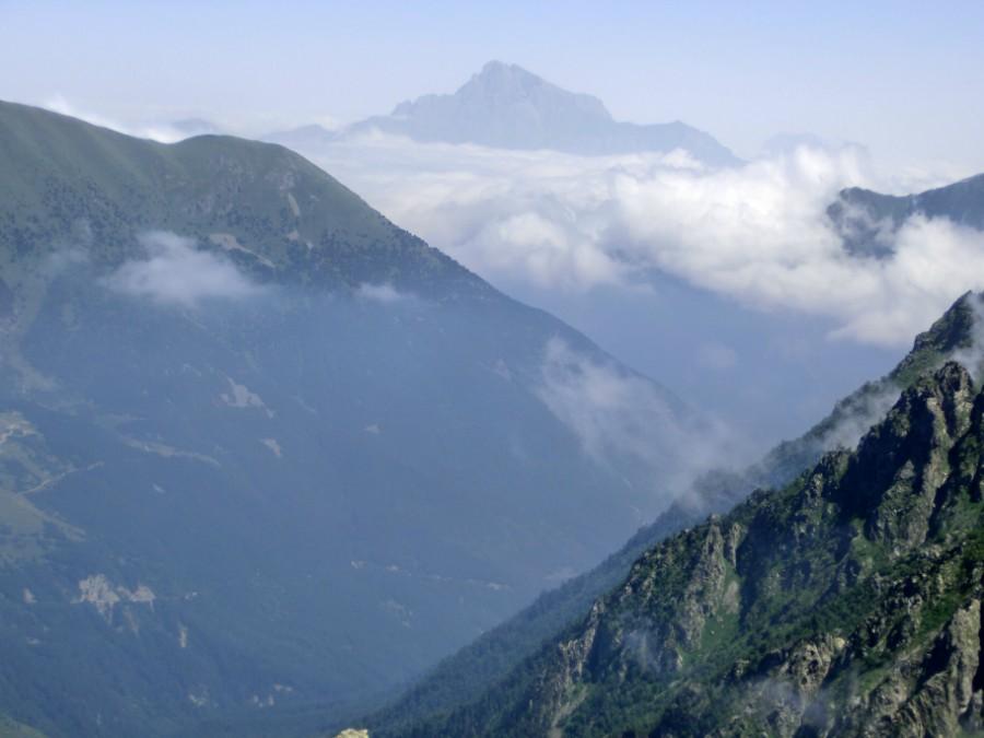 Предположение что это гора казбек