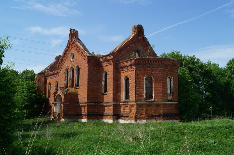 Преображенский храм память о построившего его графа Орлова-Давыдова