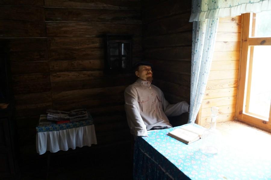 Внутри музея Н.В. Ульянова, деда Ленина, в селе Андросово