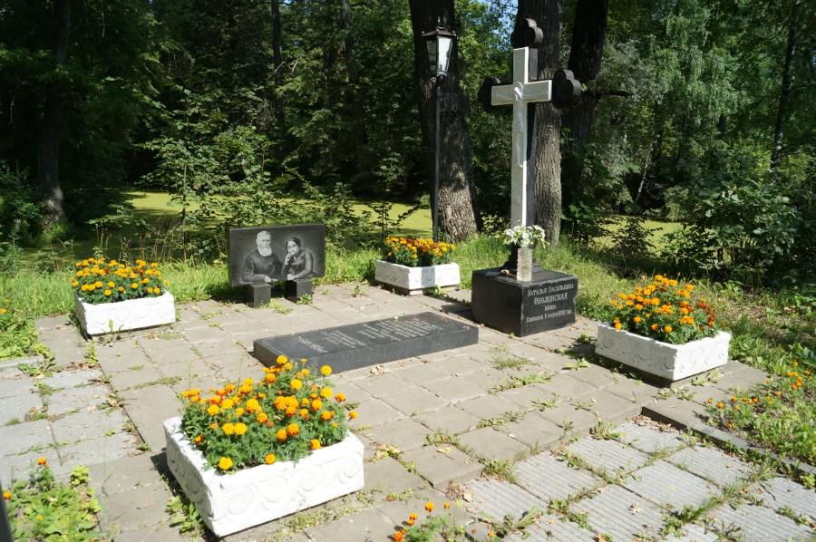 Могила супругов Карамзина А.Н. и Оболенской Н.В., фото 5