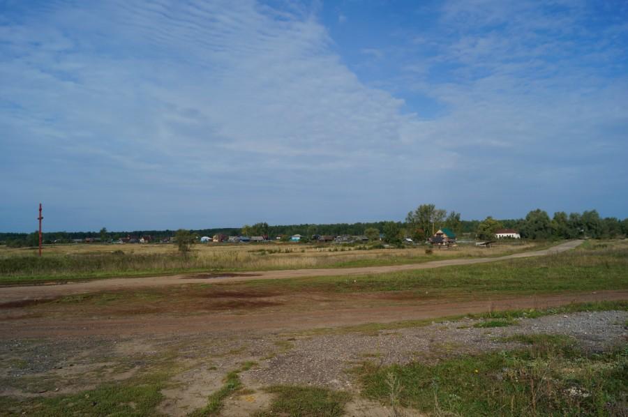 Более ста лет назад здесь были Баташевские чугунолитейные заводы. За селом Усадьба Лессинга