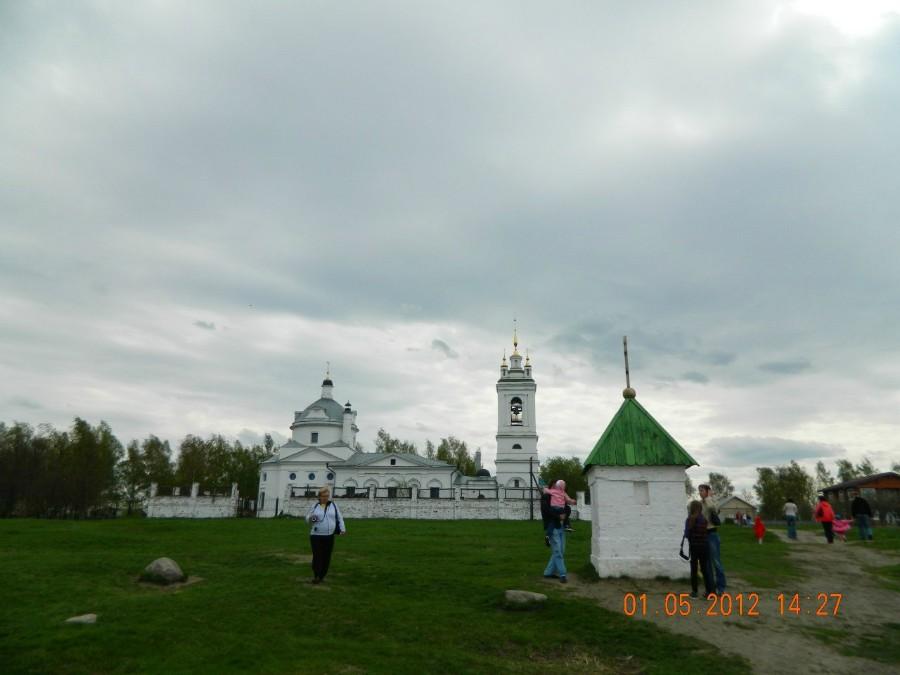В этой церкви крестили С. Есенина