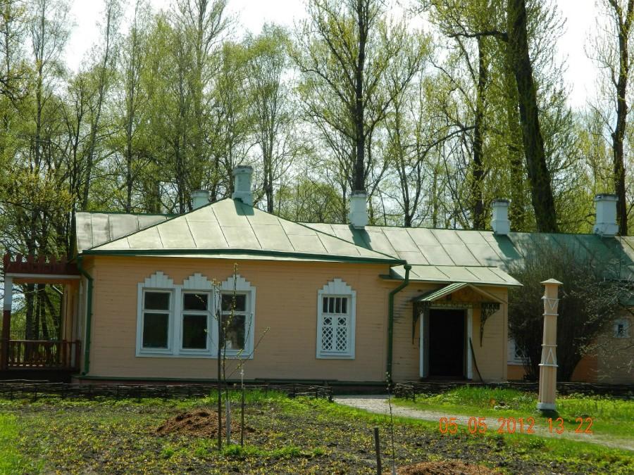 Деревянный главный дом А.П.Чехова