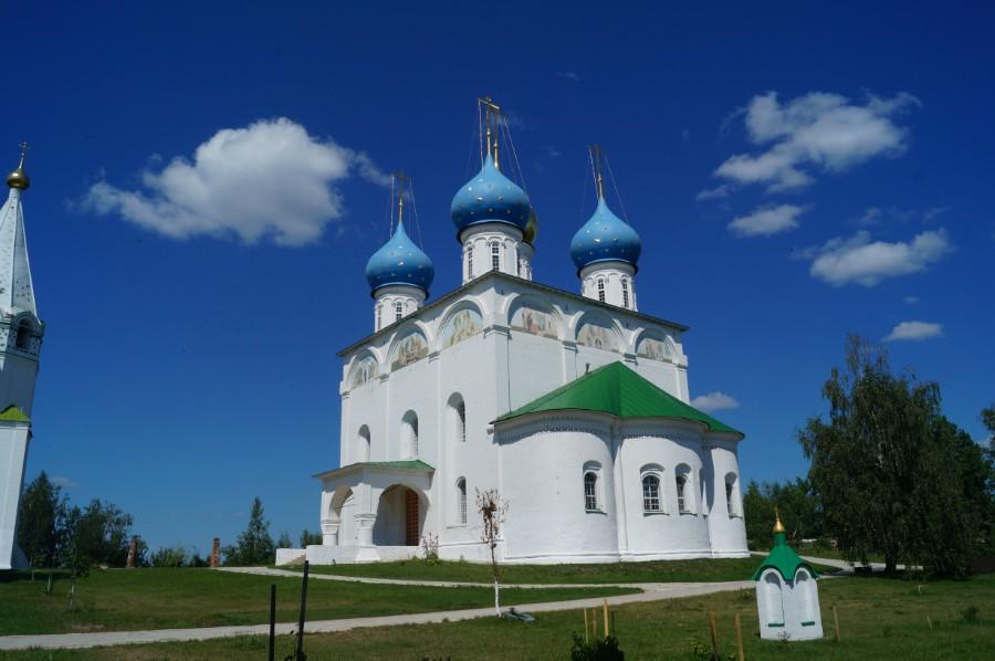 того, термобелье церкви в нижегородской области Дакайн отводит влагу