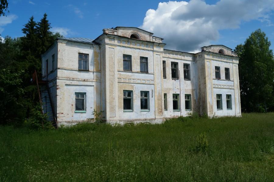 Бывшая усадьба Демидовых в Покров-Майдане фото 2