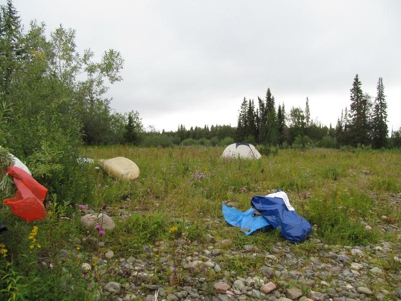 Палатки на камнях 2