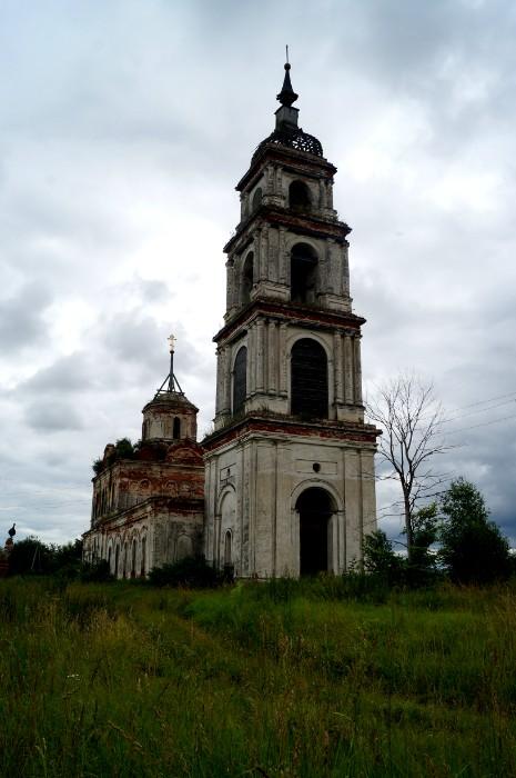 Церковь Спаса Преображения в селе Левашово