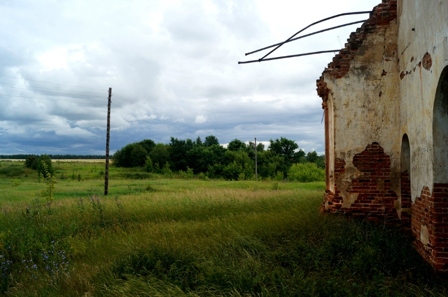 Вид на место бывшей усадьбы Одоевских-Ланских от Преображенского храма