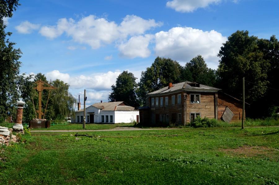 Место бывшей усадбы Репниных-Волконских в Николо-Погосте