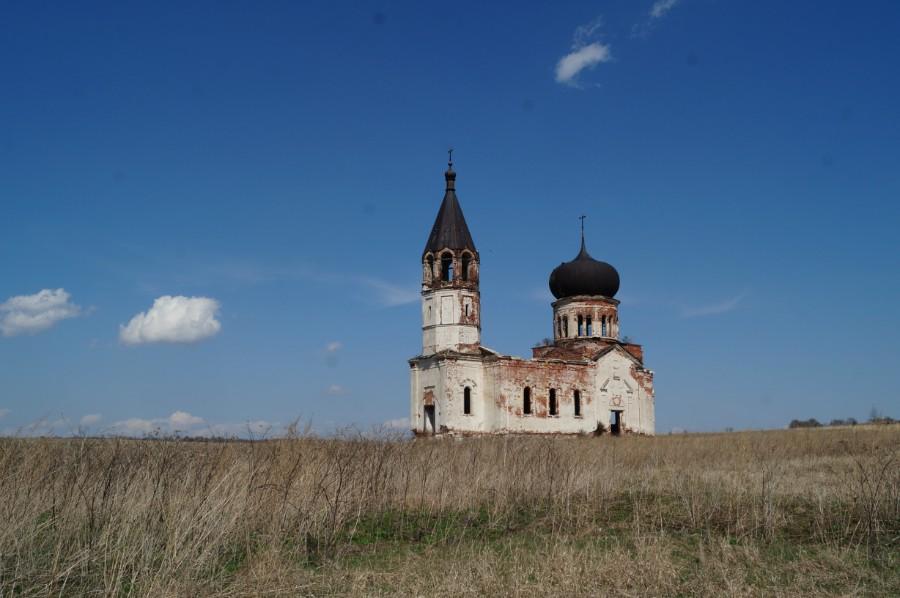 Одинокая церковь в урочище Анненково
