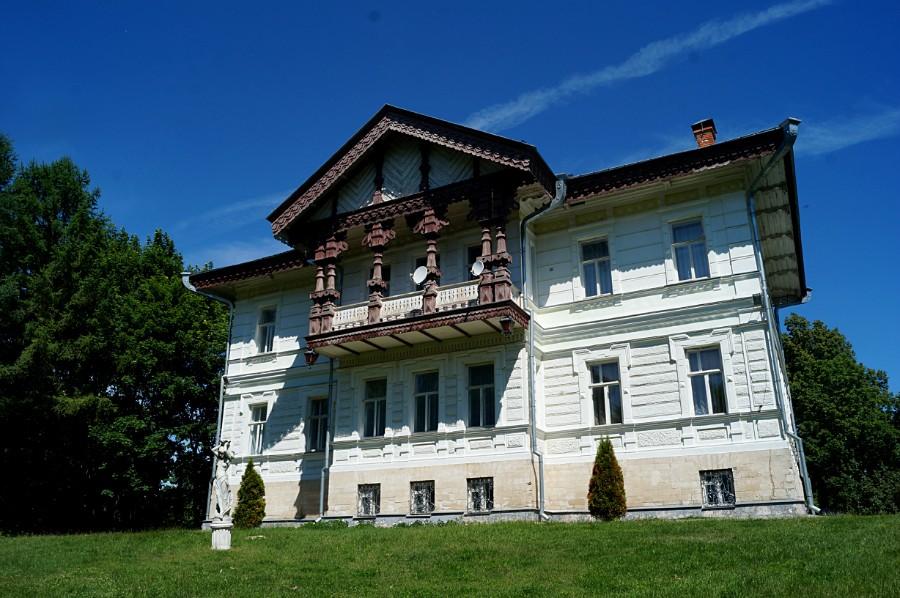 Барский дом в усадьбе Жомини